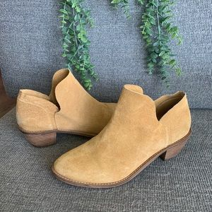Shoes - Kelsi Dagger booties. Sz 9